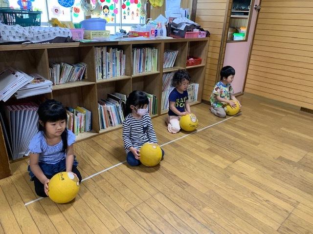 室内 ボール 遊び